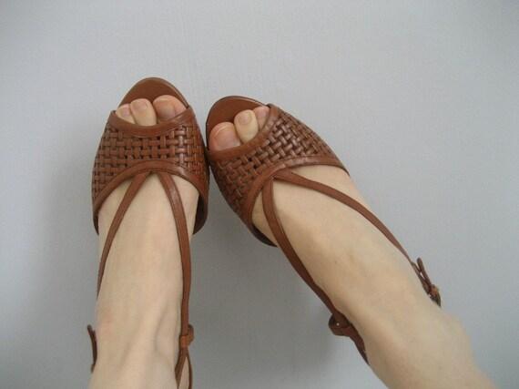 Vintage Chestnut woven leather peeptoe sandal heels (6)