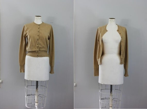 1950s WHEAT Cashmere cropped PRINGLE of Scotland folk cardigan sweater -M