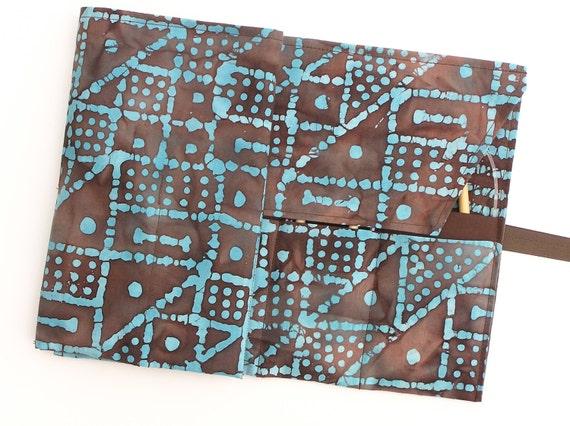 circular knitting needle case - double pointed knitting needle organizer - case  -  robin's egg blue and chocolate batak