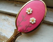 Vintage Pink Brush with Daisy Flower Design