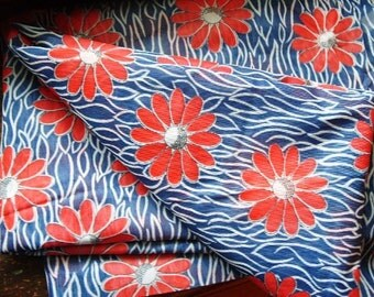 Vintage Red White and Blue Floral Daisy Fabric - 3 yds
