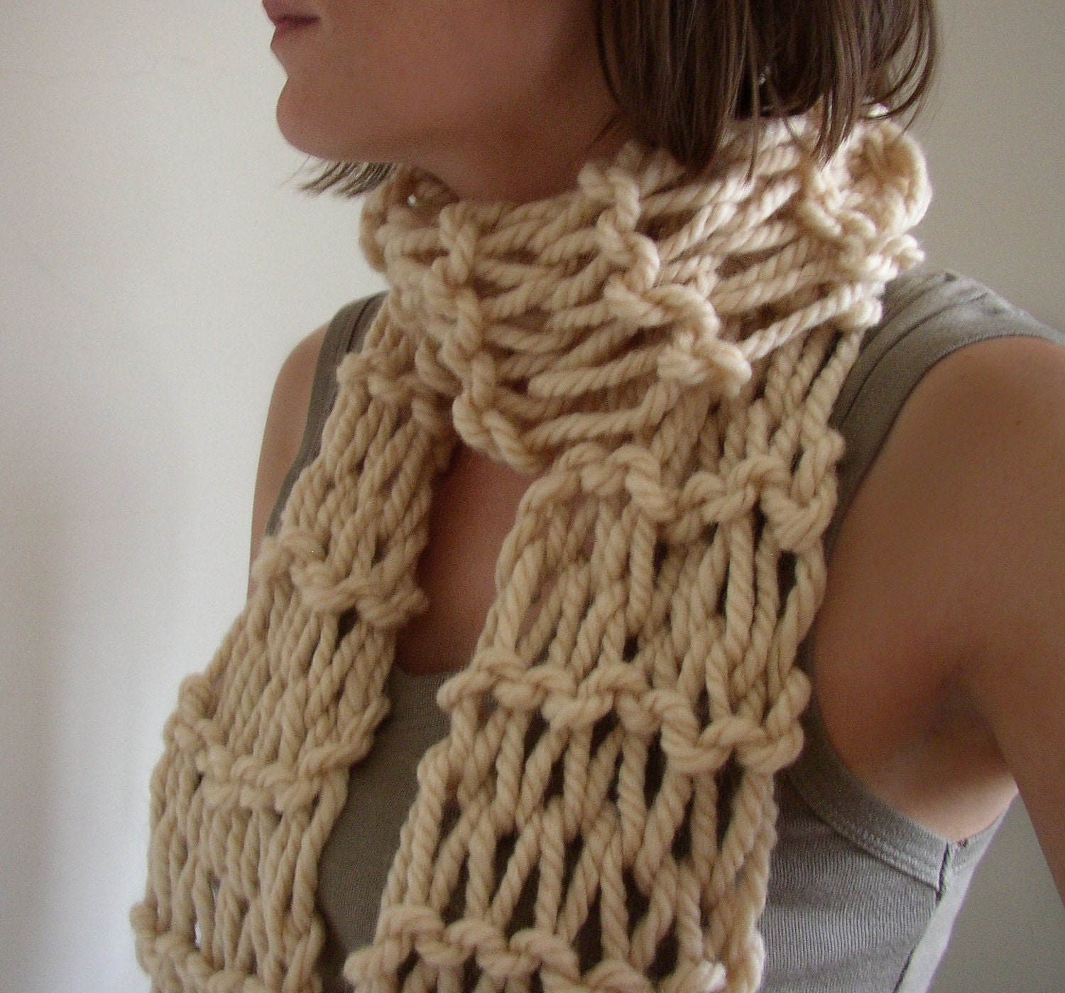 Knitting Patterns Ladies Scarf : Chunky Hand Knit Womens Scarf