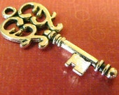 4 pcs Antique Silver Vintage Key Charms -Pendant -ships from USA