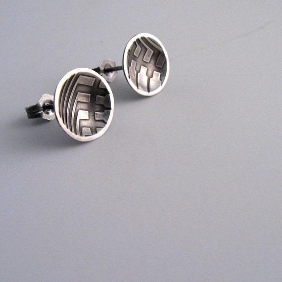 circletry / sterling silver stud earrings