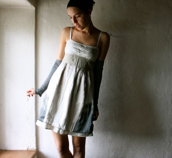 Formal dress in ecru silk and linen