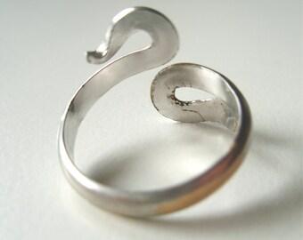 Snake Charmer - a vintage 1960's adjustable Napier Ring