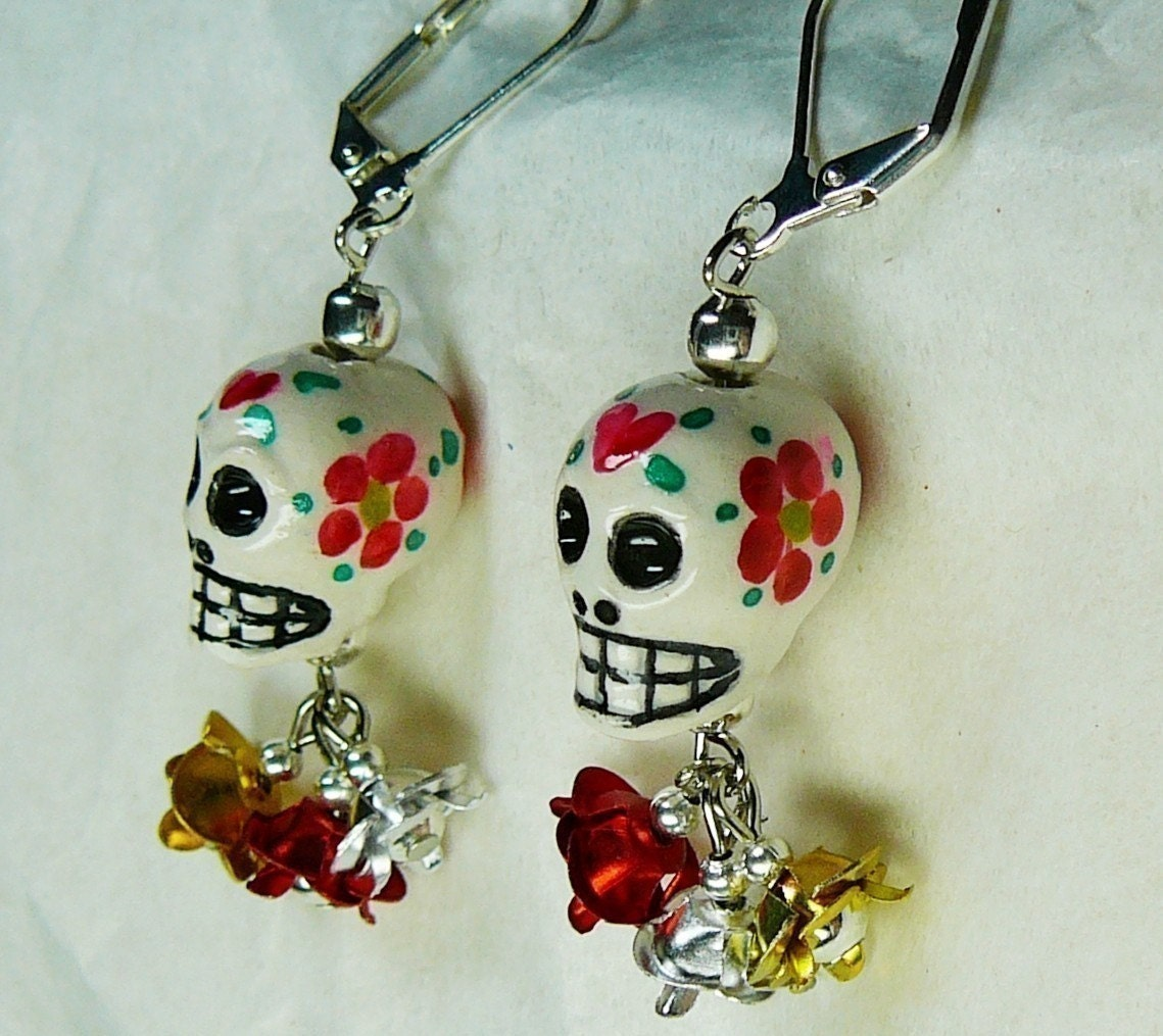 white sugar skull and earrings by artistamuerta on etsy