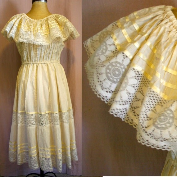 70's Traditional Style Folk MEXICAN Dress in Creme Cotton & LACE