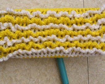 One Yellow and White 2-Sided Reusable Swiffer Cloth - The Bright Colorful Ecofriendly Pet Safe Way to Clean