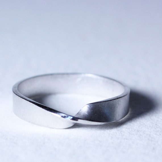 Sterling Silver Wide Mobius Eternity Ring