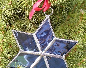 Ornament Star -Blue Christmas -stained glass