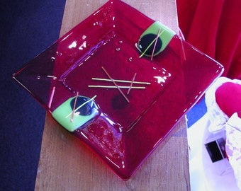 Plate-Handmade- Fused- art glass-red-abstract