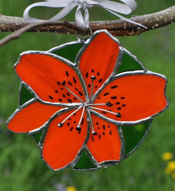 tiger lilly suncatcher