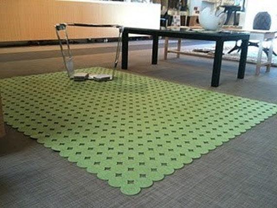 Circle wool felt rug