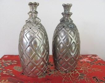 vintage pineapple salt and pepper shakers