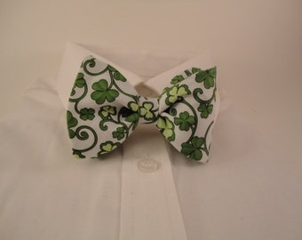 Shamrocks Bow tie