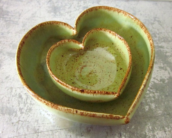 2 miniature nesting heart dishes