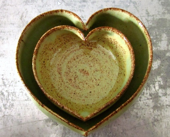 2 miniature nesting heart dishes