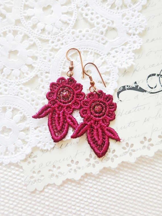 Violet Lace Earrings Wine Red White  -Veralia -  Gold Glitter Bridal Fiber Dangle