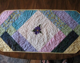 11 Pastel Forget-Me-Not Table Runner
