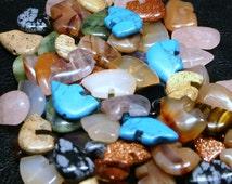 25 Mixed Gemstone Zuni Style Bear Fetish Beads Large Size Southwestern Turquoise, Goldstone, Jasper, Quartz, Carnelian, Onyx