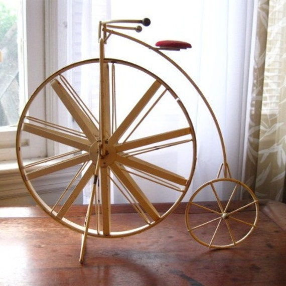 Vintage Victorian Bicycle Decor Accent Made Of Iron By