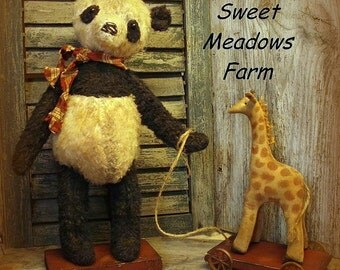 Primitive E-PATTERN Old Panda Bears Dolls and Giraffe Pull Toy