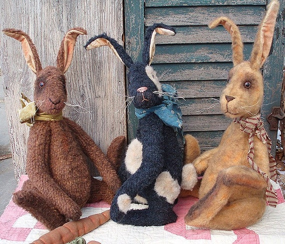 Primitive E-Pattern Grungy Bunny Rabbit and Carrot Doll PDF