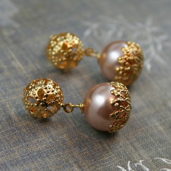 earrings hold