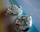 FILIGREE HEART LOCKET  2pc Reversible Lockets - Perfect for Seaglass