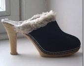 Vintage 70s SUEDE faux fur PLATFORM CLOGS (8)