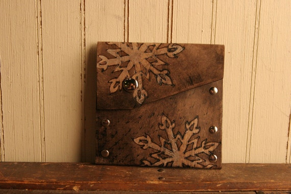 Snowflake Pouch - Leather in Silver and Antique Black