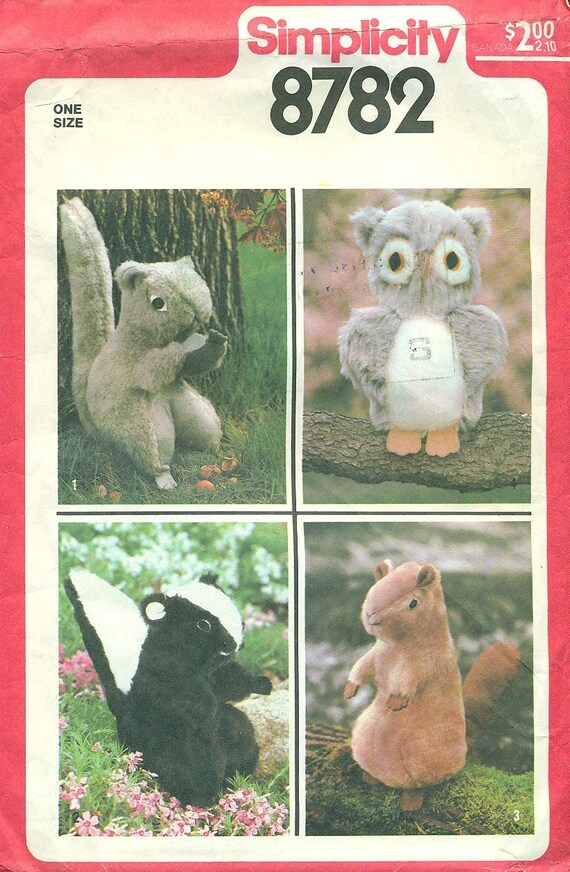 SIMPLICITY 8782- Stuffed Forest Woodlands Animals -  Skunk, Squirrel, Beaver, and Owl - Pattern from 1978