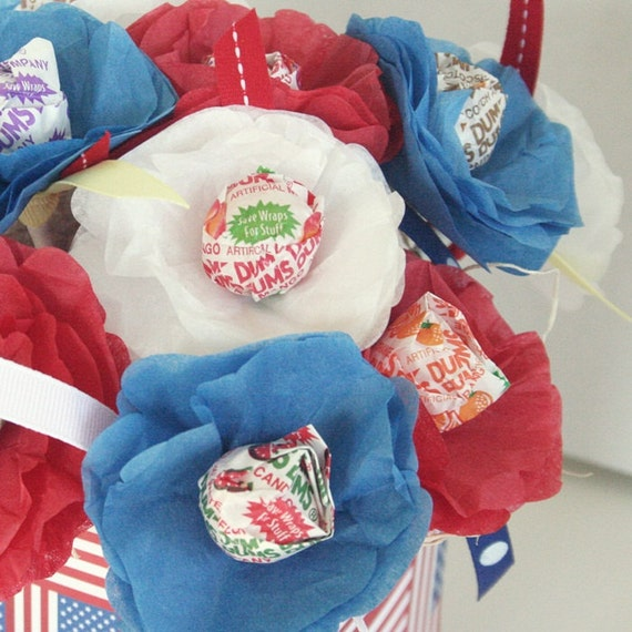 13 Flower Suckers Lollipops for July 4th or Memorial Day Picnic American US Flag Red White Blue