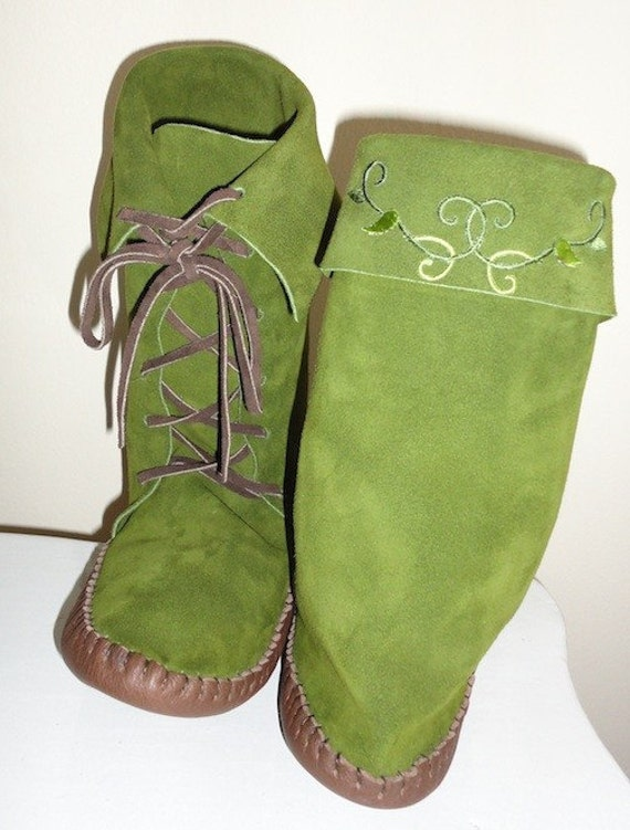 Custom order for Wendy Forest Elf Moss Green Elf Boots Handmade moccasins brown leather soles with vine detail