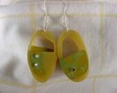 2 bundles, green, golden, and dark goldenrod earrings