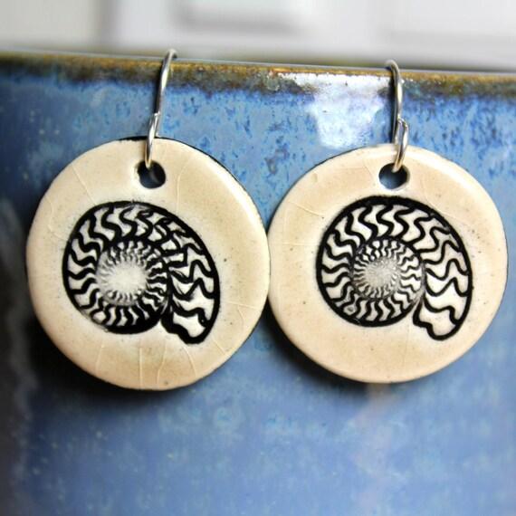 Ammonite Ceramic Earrings in Cream Crackle