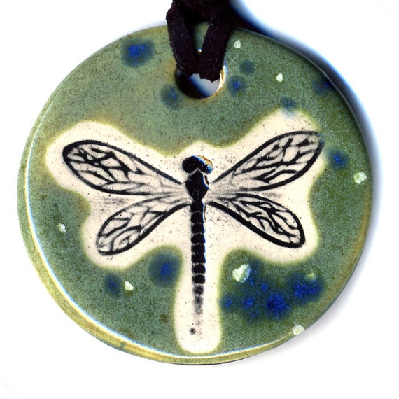 Dragonfly Ceramic Necklace In Spotted Green