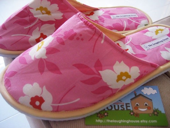 Bedroom/Home Slippers (Swing Toss in Pink) Size L