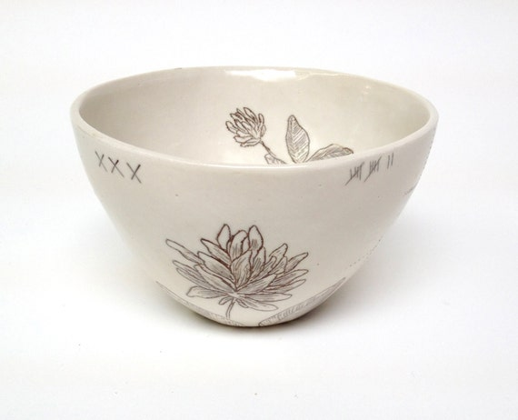 Sepia Flower Inlay Porcelain Bowl With Clover Flower