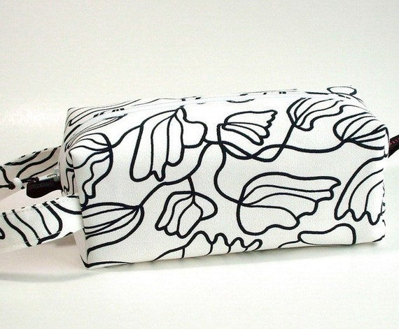 Boxy Bag Knitting Project Zippered Pouch - black and white