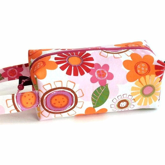 Boxy Bag Knitting Project Zippered Pouch - Retro Floral Summer