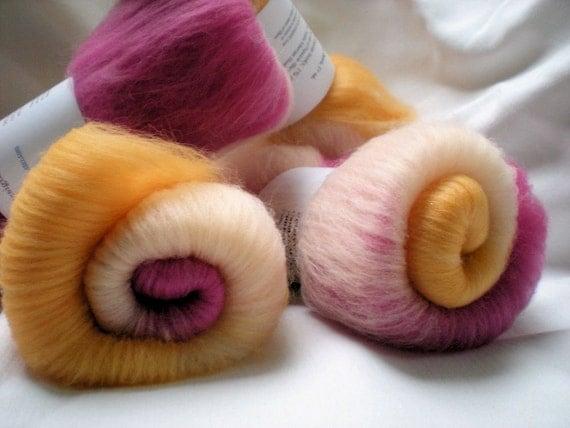 Spinning batts, a blend of Merino wool, Siberian Husky fur and Firestar, 1 oz., Pupsicle DAWN,