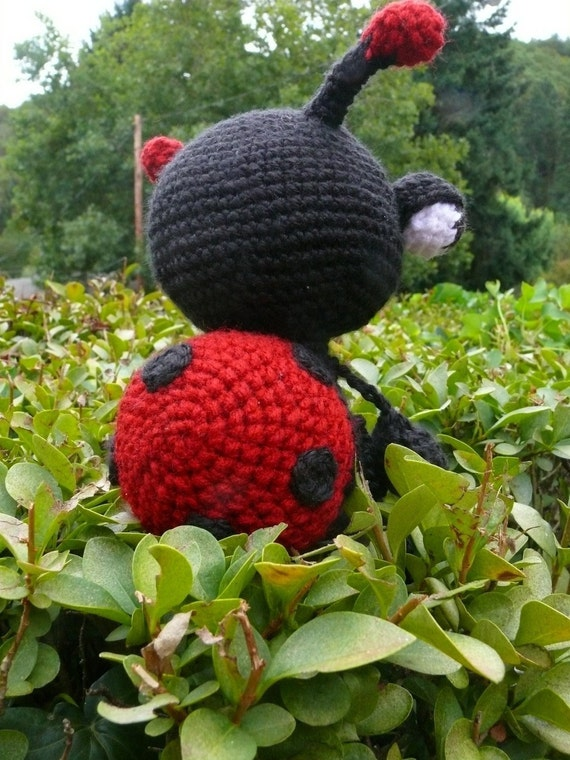 Bug Eyed Bugs Series - Lady bug   Crochet Patter PDF