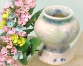 Miniature Porcelain Urn Planter with Hydrangea 1:12 Scale Dolls House for Miniature Dollhouse