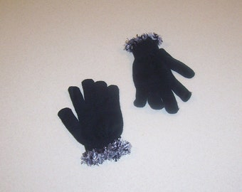 Crochet Trimmed Black Knit Gloves