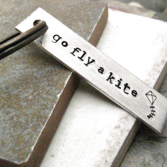 Go Fly A Kite Keychain, Kiting keychain, flying a kite, windy day, kite quote, personalize the back with a name or date
