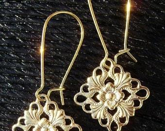 BEAUTIFUL Filigree Squears Kidney Hook Gold Earrings