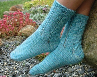 PATTERN Lacy Cuff Socks