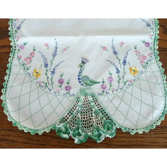 Vintage dresser scarf linen gorgeous peacock table topper